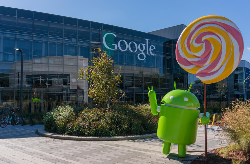 Android Lollipop replica in front of Google office