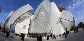 Tiffany: LVMH offers to buy jewelry icon