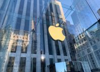 Apple shares are rising, but experts worry