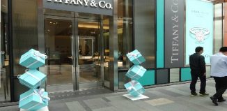 LVMH isn't buying Tiffany